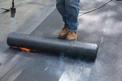 Bitumen op een plat dak
